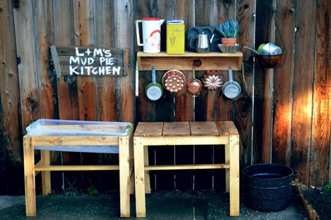 Mud Kitchen. Outdoor play ideas.