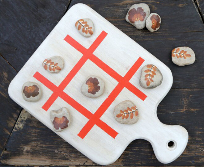 Use a bread board to create your own tic tac toe.
