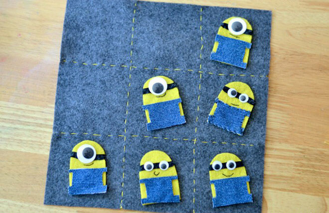 Bananas! Ways to make your own minion tic tac toe.