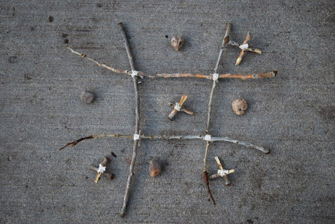 Using nature to make your own tic tac toe.