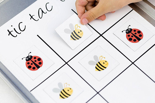 Magnetic travel tic tac toe. How to make your own tic tac toe games.