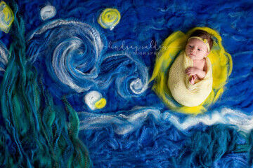 Newborn photographer Lindsay Walden starry starry night