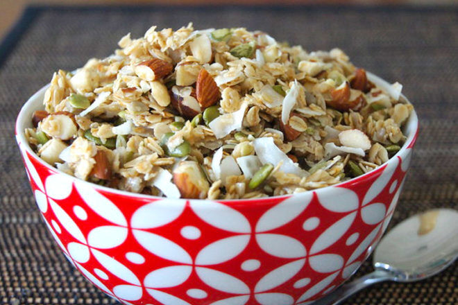 Easy Mother's Day Breakfast Ideas: Homemade granola