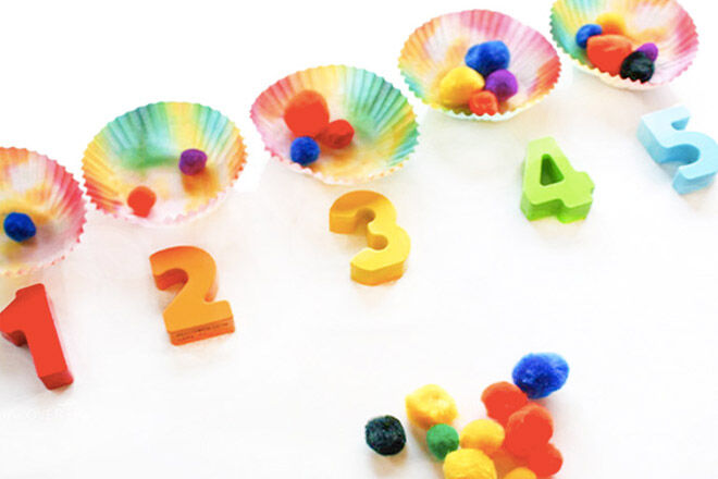 Numbers in patti cakes. Busy bags for kids ideas.