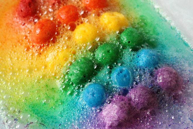 science preschooler sensory play colour