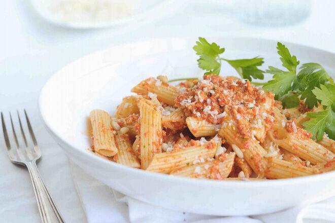 Roast-capsicum-pesto-pasta
