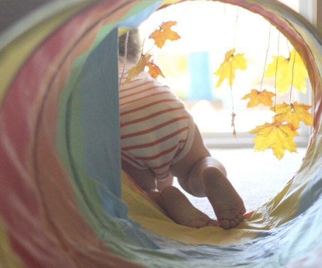 Autumn-activites-baby-tunnel