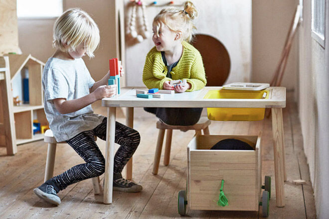 IKEA-flisat-desk