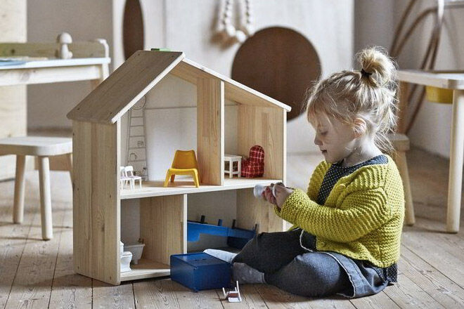 IKEA-flisat-dollhouse