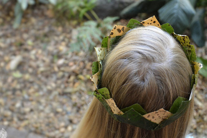 autumn-activites-leaf-crown