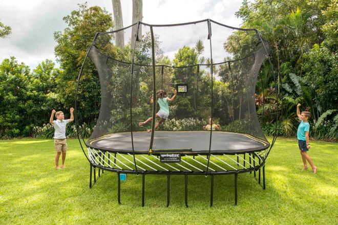 trampoline outdoor play kids Springfree