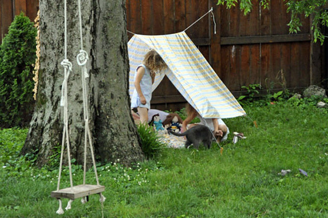 simple-tent-cubby