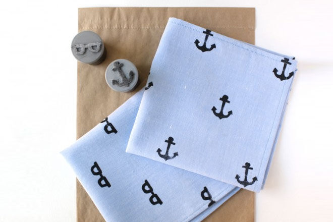 DIY fathers day gift hand stamped hankerchief