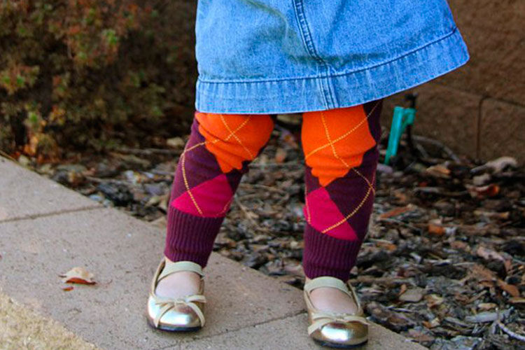 Recycling old jumpers into a pair of kids tights