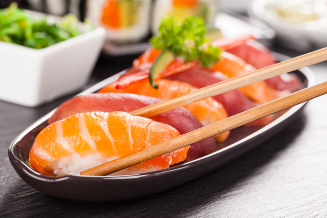 Pregnancy foods to avoid sushi