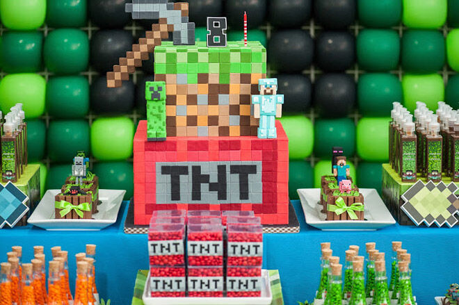 Inspirational mindcraft cakes