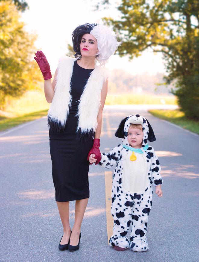Halloween mum kid dog puppy disney