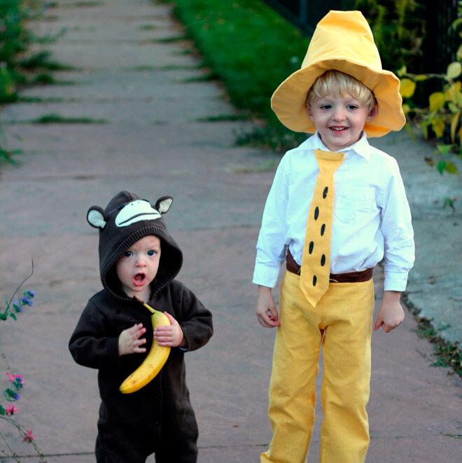 Halloween sibling monkey banana