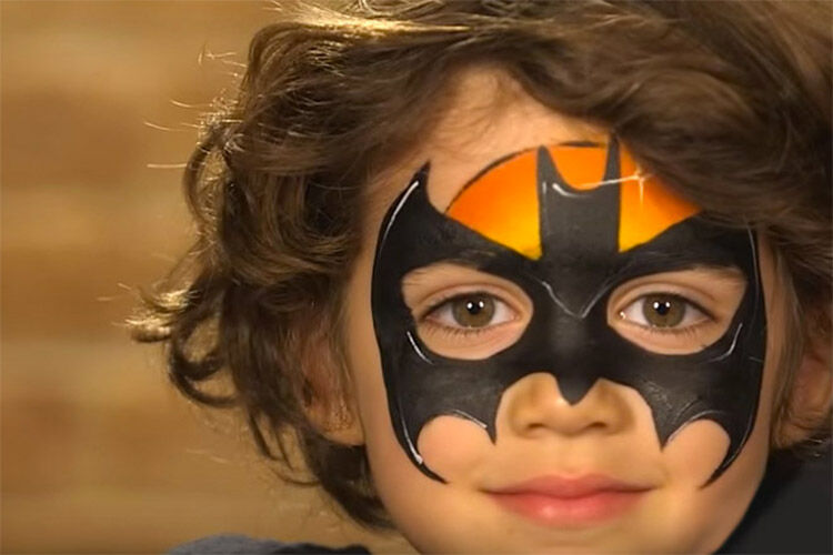 10 totally do-able Halloween face painting designs