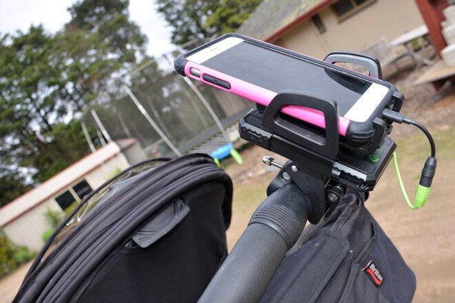 tech stroller mum smartphone mobile