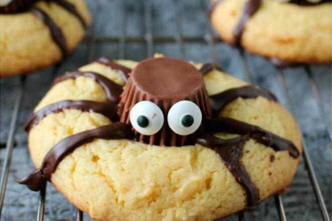 Halloween biscuit recipe