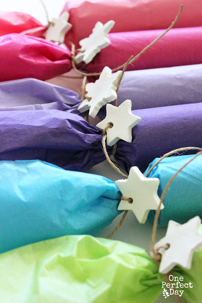 11 more diy christmas crackers snap cracker and pop tissue paper bon bons solutioingenieria Choice Image
