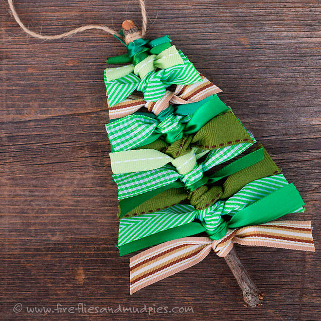 knotted ribbon Christmas ornament
