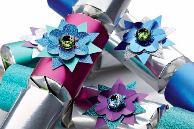 Frozen inspired christmas crackers