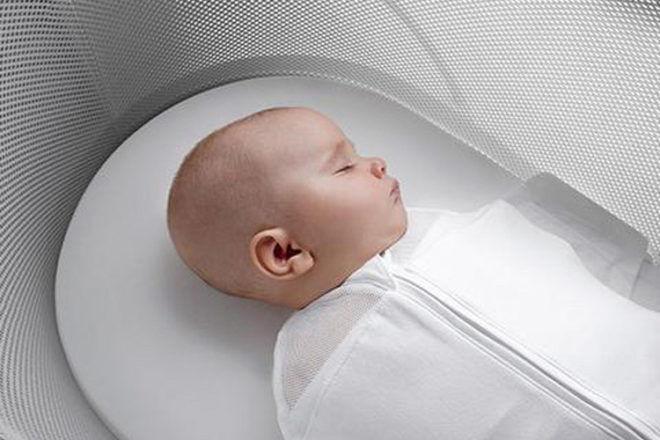Snoo newborn bassinet cradle
