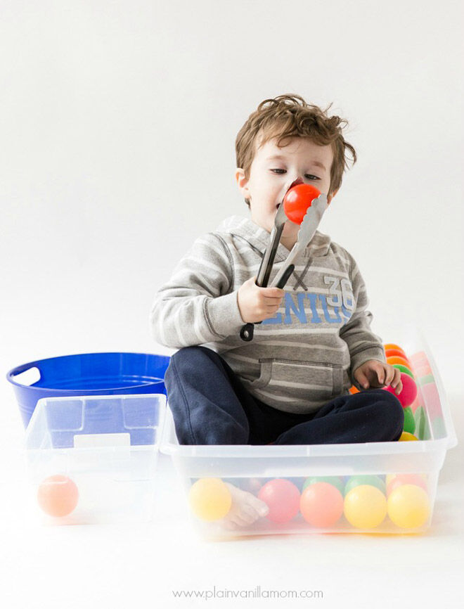 tongs-toddler-fine-motor-skills