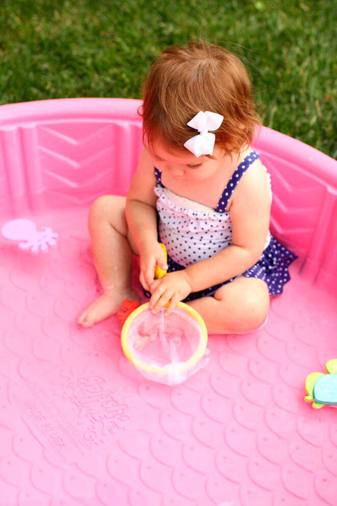 toddler water play fishing