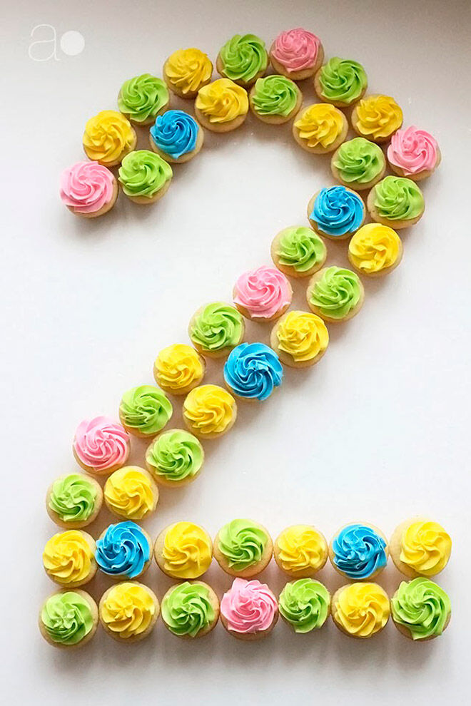 Arrange Cupcakes In A Number Shape