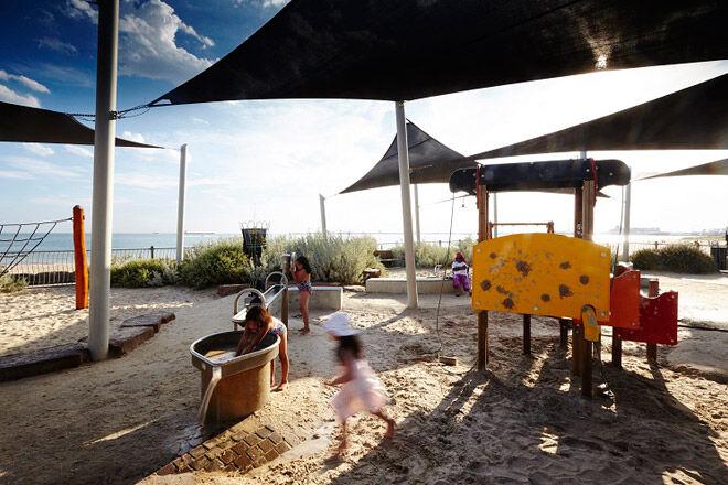 plum garland memorial playground water