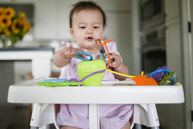 Grapple high chair toy from Jellystone Designs