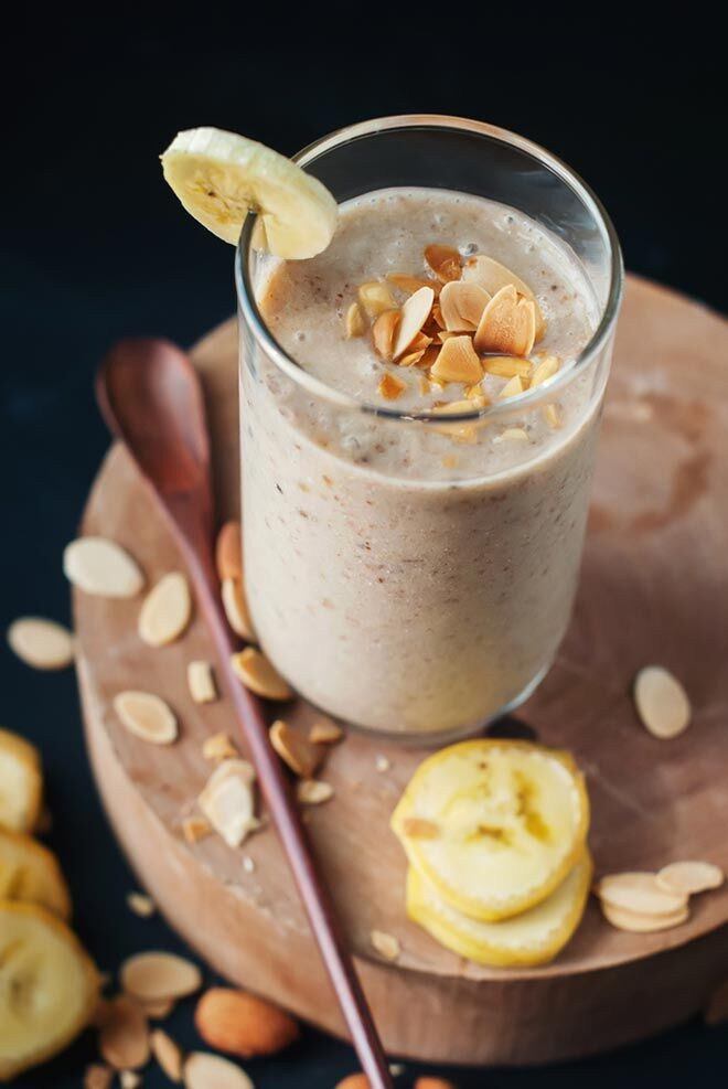 banana and almond energy boosting pregnancy smoothie