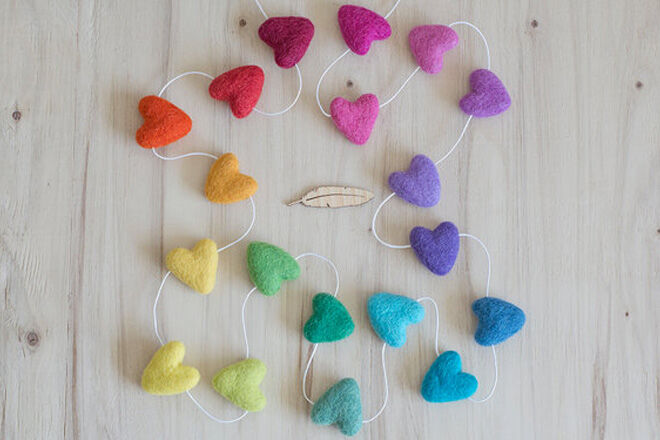 Valentine's Day - Rainbow Hearts Garland