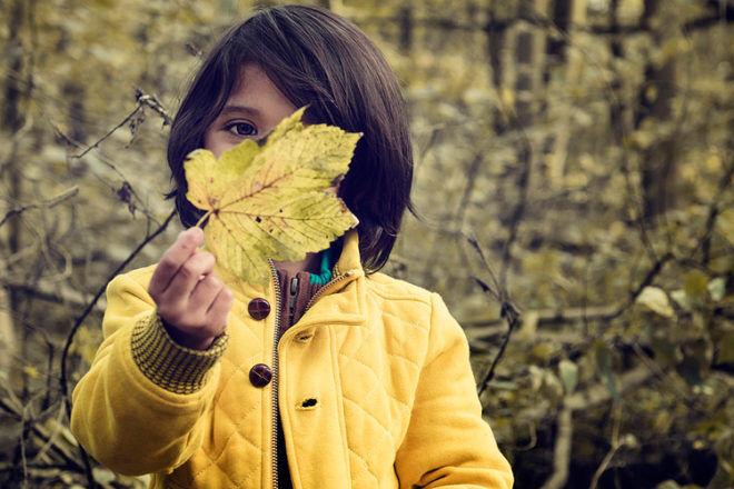 autumn outdoor activities kids scavenger hunt