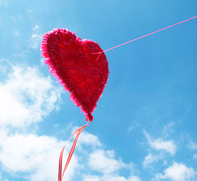 valentines day heart kite