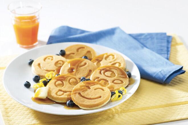 Nordic funny face pancake maker