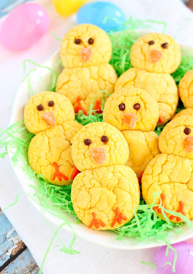 the gold lining girl easter chick cookies