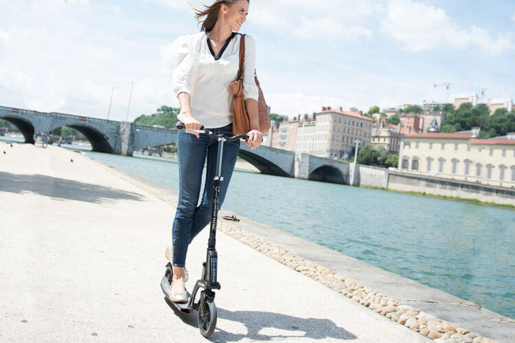 Globber Mytoo Kleefer 18.0 Adult Scooter
