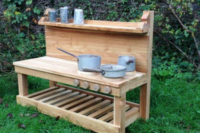 Earthwrights mud kitchen