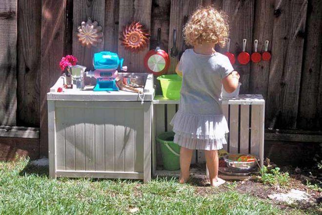 simple outdoor mud kitchen