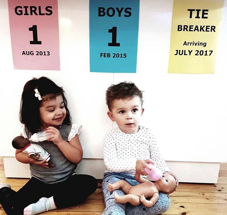 tie breaker baby announcement idea