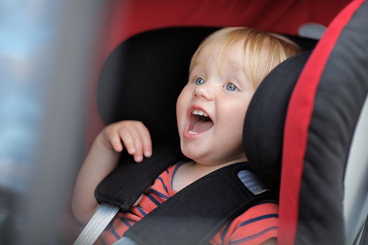 toddler singing in car