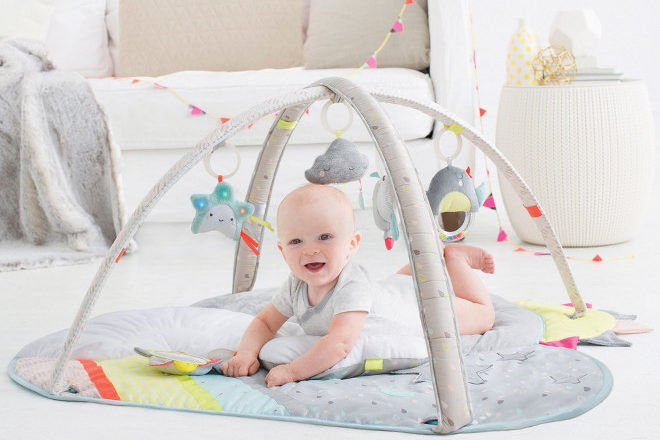 baby tummy time Skip Hop Silver Lining Cloud Activity Gym