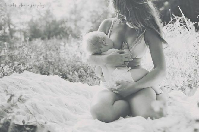 A Mother's Beauty photo project breastfeeding mother
