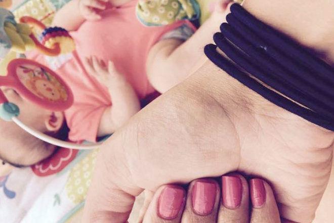 Parenting hair tie hack