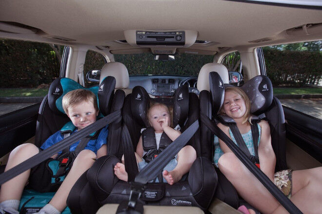 Narrow Infant Car Seats To Fit  In A Row