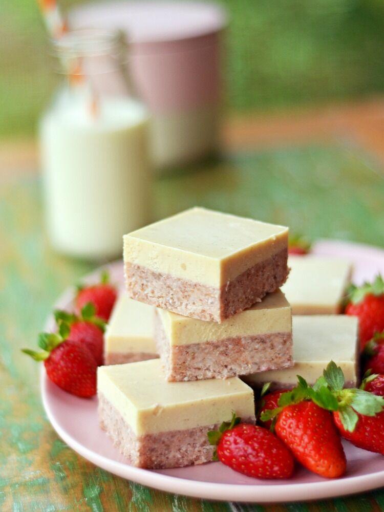 no-bake slice strawberry, lime and macadamia